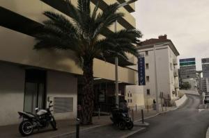 Parkind de la gare de Cannes